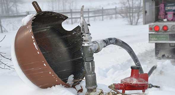 cap-regulator-nozzle-tank-590x320