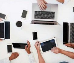 business table. technology. Photo: iStock.com/monkeybusinessimages
