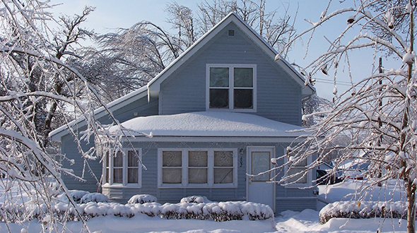 The EIA says propane expenditures will have little change this winter heating season. Photo: iStock.com/studioimagen