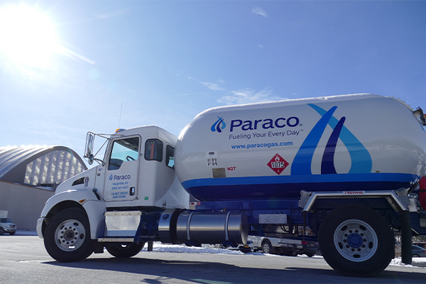 Paraco Gas bobtail photo by Roger Rosenbaum/Brand-News-Team Inc.